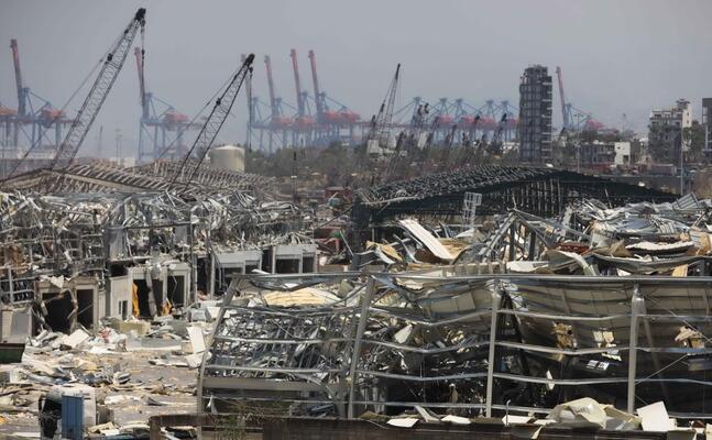 l area del porto di beirut dopo le esplosioni (ansa)