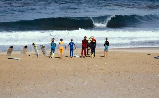 Surfisti a Buggerru (foto ufficio stampa)