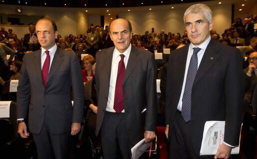 Alfano, Bersani e Casini, le tre facce del governo Monti (Ansa)