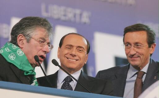 Con Berlusconi e Bossi (Ansa)