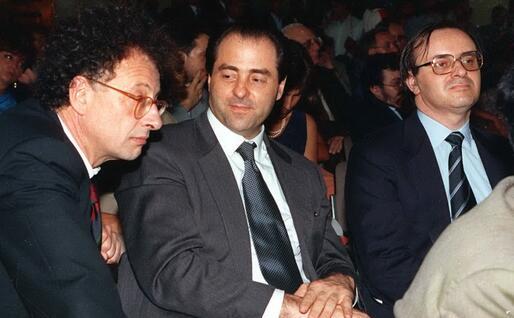 Di Pietro tra Gherardo Colombo e Piercamillo Davigo (Archivio Ansa)