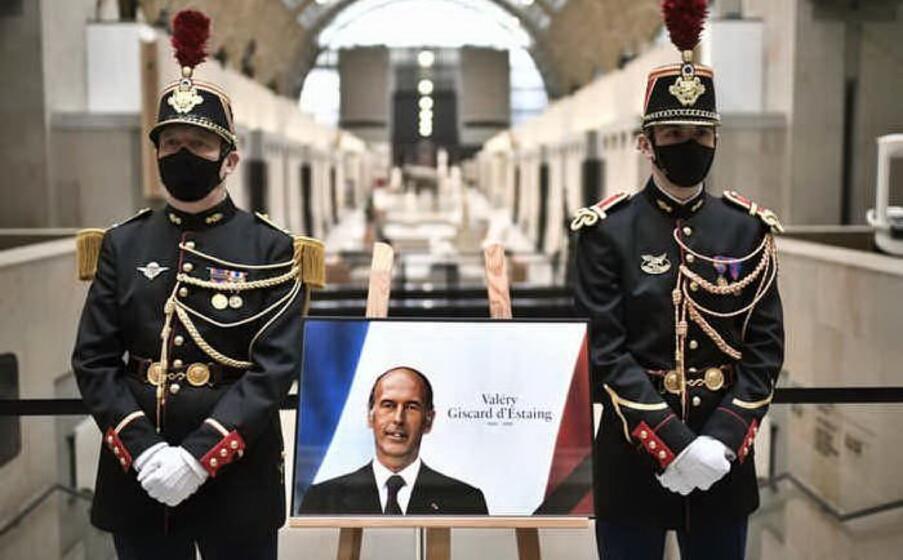 il 2 dicembre muore per il covid all et di 94 anni valery giscard d estaing presidente della francia dal 1974 al 1981