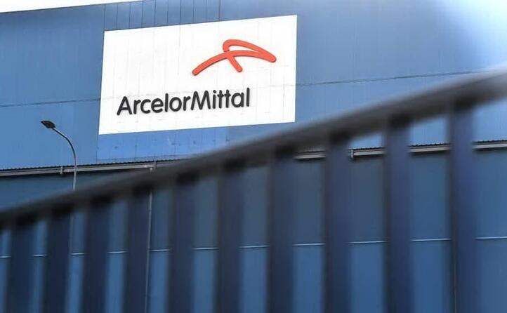 accordo mittal invitalia torna l acciaio di stato con la societ del mef che entra al 50 nella gestione degli impianti