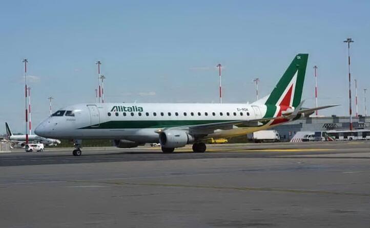 la nuova alitalia al decollo avr la met dei dipendenti (5 200) e una flotta di 52 aerei