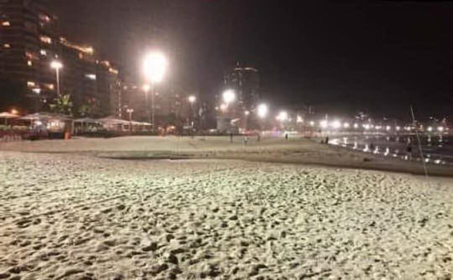 il celebre lungomare di copacabana a mezzanotte (foto di carlo d andrea)