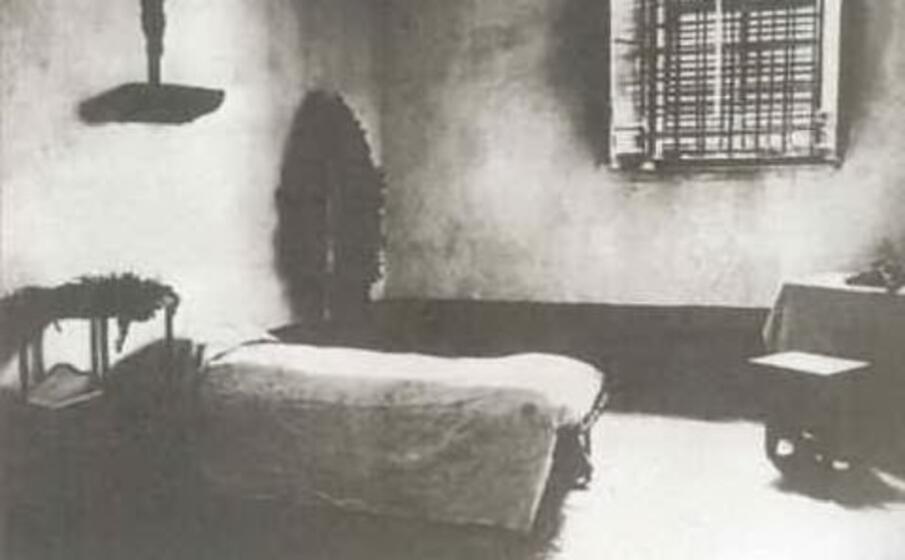 la cella del carcere di turi dove fu imprigionato antonio gramsci