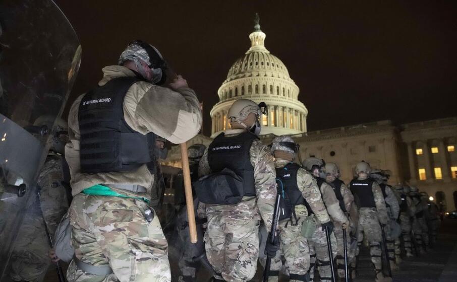 schierata la guardia nazionale
