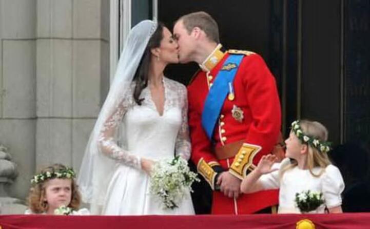 il bacio nel giorno del matrimonio (foto ansa e wikipedia)