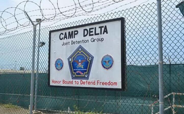 accaddeoggi 11 gennaio 2002 apre il campo di prigionia di guantanamo