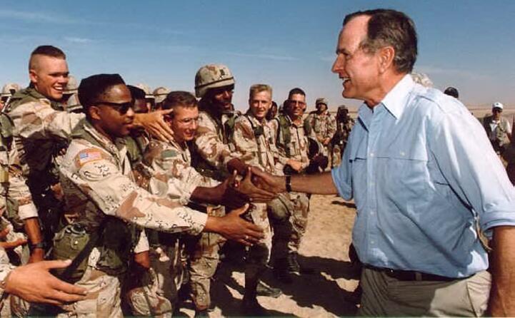 gli stati uniti di bush senior bombardano le forze irachene
