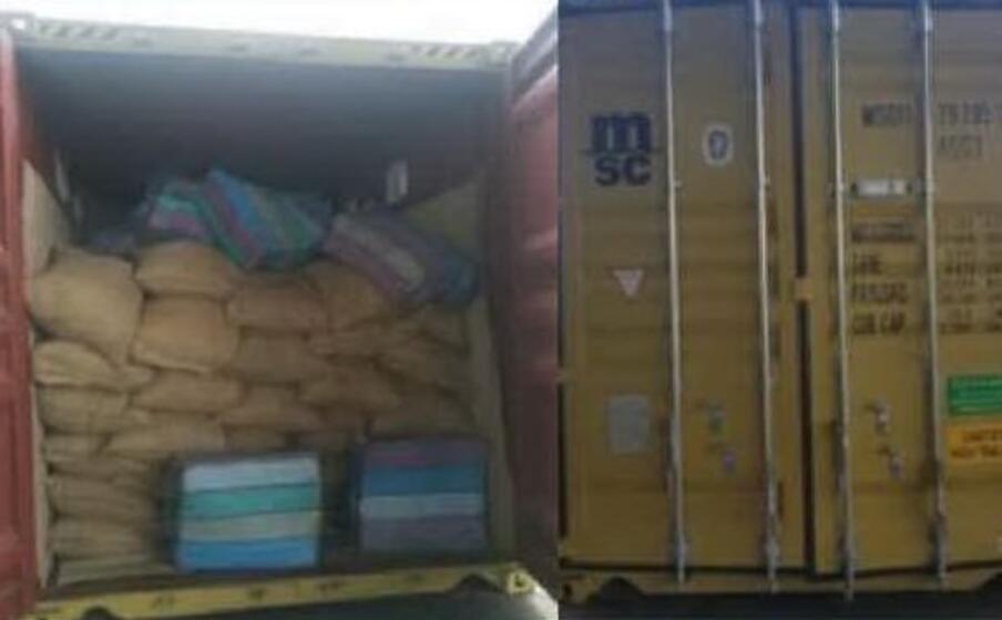 il container con la droga (foto ministro dell interno dell ecuador)