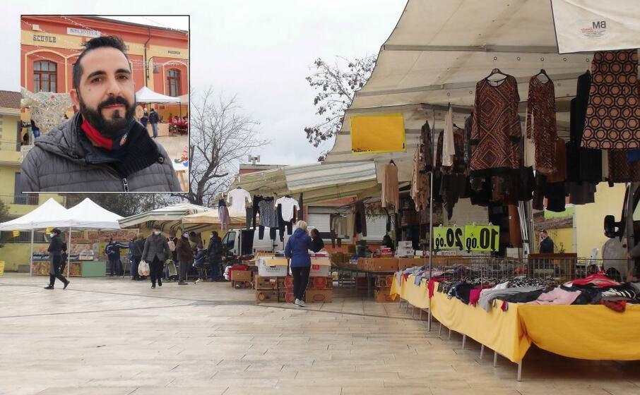 il mercato in piazza a serdiana (foto loi)