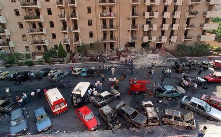 l attentato di via d amelio dove stato ucciso paolo borsellino (tutte le foto sono ansa e archivio l unione sarda)