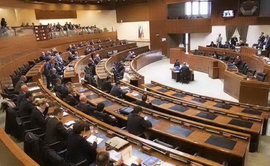 il consiglio regionale (archivio l unione sarda)
