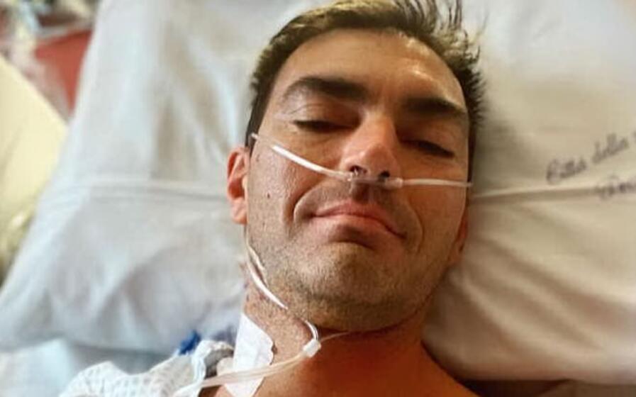gabry ponte dopo l intervento e nello scatto postato su instagram