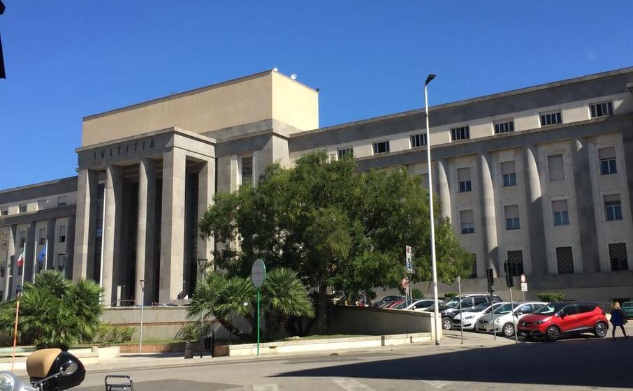 il palazzo di giustizia (foto manunza)
