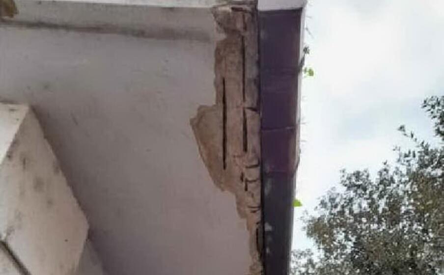 il tetto dell asilo (foto l unione sarda pala)
