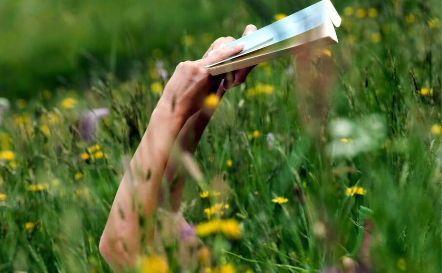 lettura in libert (foto archivio l unione sarda)