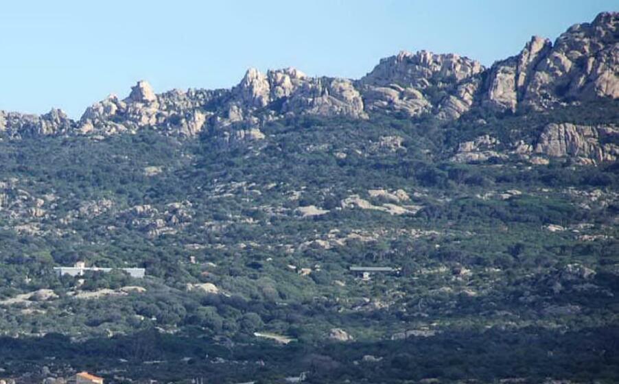 i monti di caprera (archivio l unione sarda)