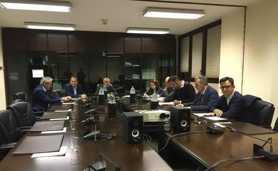 una delle passate riunioni della commissione insularit (archivio l unione sarda)