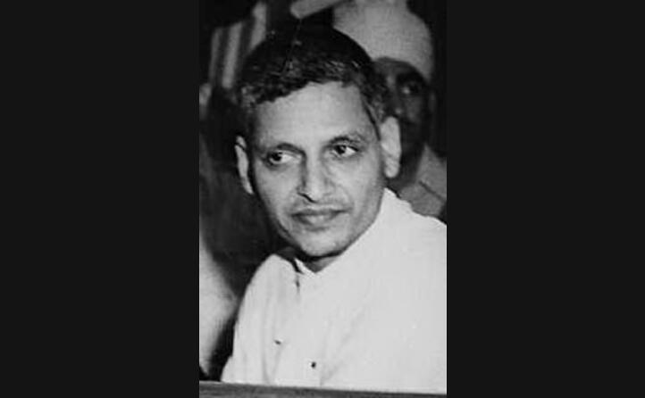 viene ucciso dal giornalista e fanatico ind nathuram godse (foto wikipedia)