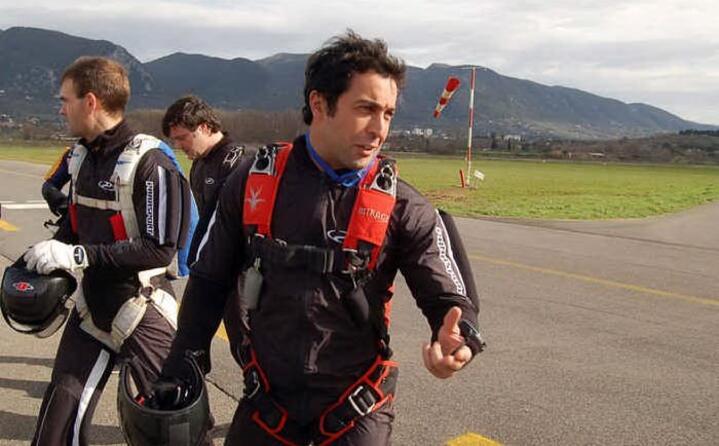 l attore morto prematuramente nel 2010 durante un lancio con il paracadute