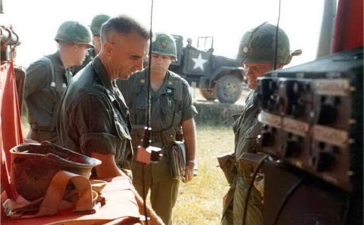 accaddeoggi 9 febbraio 1965 le prime truppe usa vengono inviate nel vietnam del sud