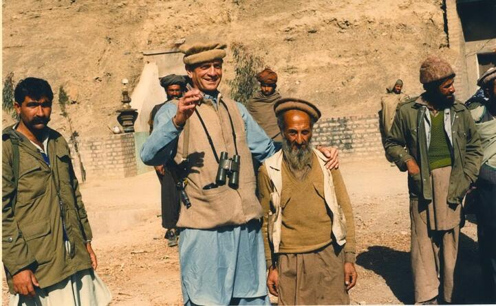 il deputato usa charles wilson con alcuni combattenti afgani