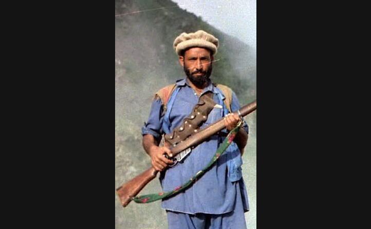 un combattente mujaheddin