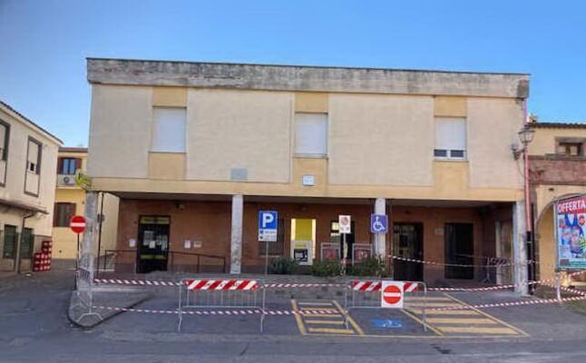 l edificio transennato (foto a orbana)