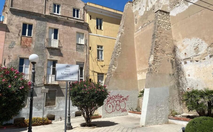 piazza maria lai nel quartiere castello a cagliari (forto archivio l unione sarda)