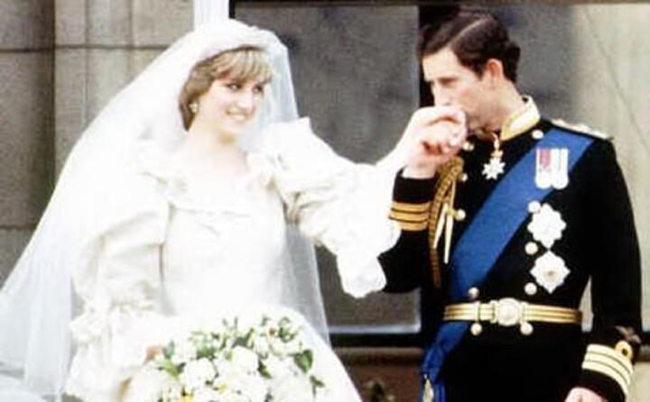 una foto ufficiale delle nozze