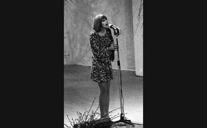 nel 1968 sul palco di sanremo