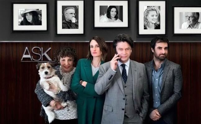 i protagonisti della serie chiami il mio agente (foto ansa)
