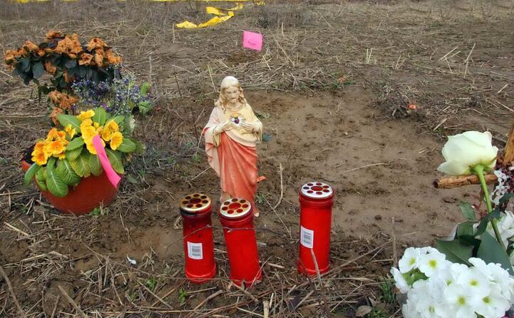 il cadavere della 13enne era stato abbandonato in un campo a chignolo d isola