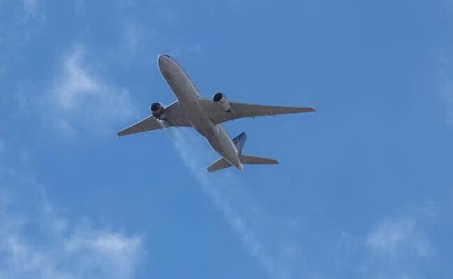 un boeing 777 (immagine simbolo foto ansa)