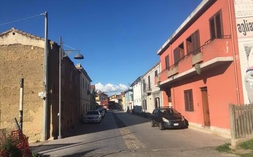 Via Convento, una delle strade principali di San Gavino Monreale (foto Pittau)