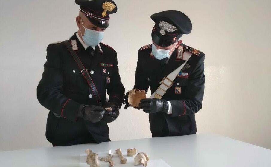 le ossa (foto carabinieri)