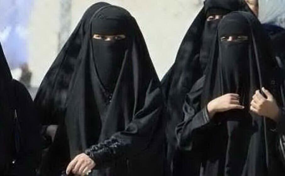 donne con il burqa (archivio l unione sarda)