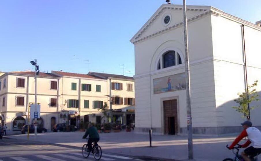 la piazza della consolata a porto torres (l unione sarda pala)