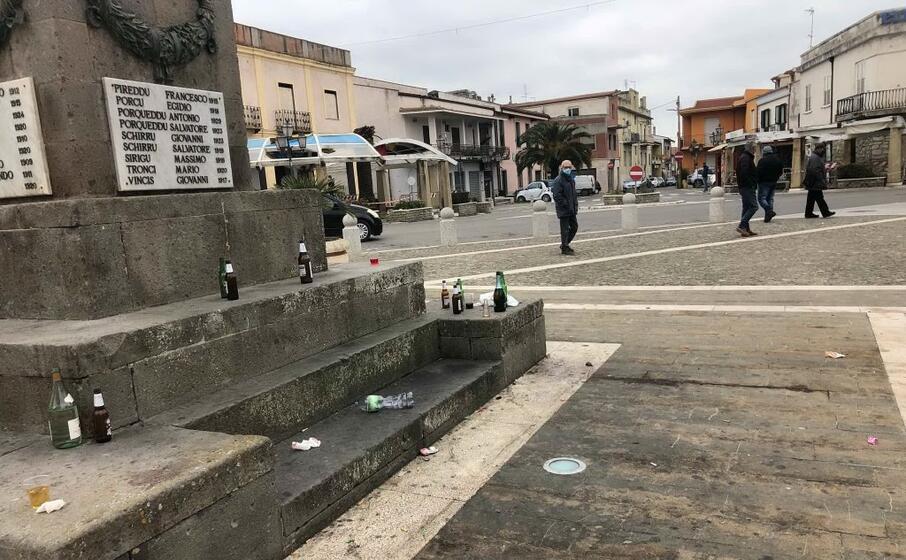 le condizioni della piazza domenica scorsa (foto l unione sarda sirigu)