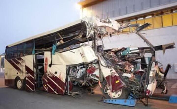 accaddeoggi 14 marzo 2012 pullman fuori strada morti 22 bambini