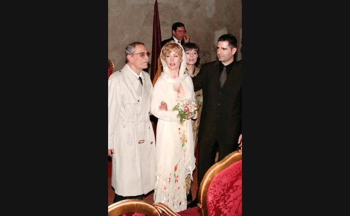 al matrimonio del figlio con nancy brilli