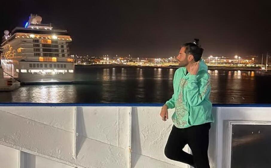 federico fashion style sul traghetto (foto instagram)