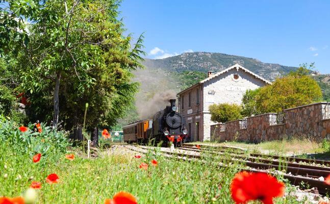 il trenino verde (archivio l unione sarda)