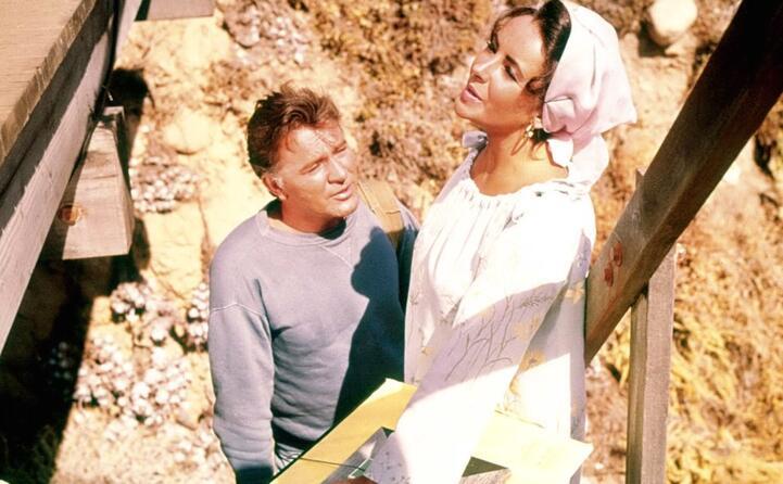 una scena del film castelli di sabbia con richard burton suo quarto marito (tutte le foto sono archivio l unione sarda)