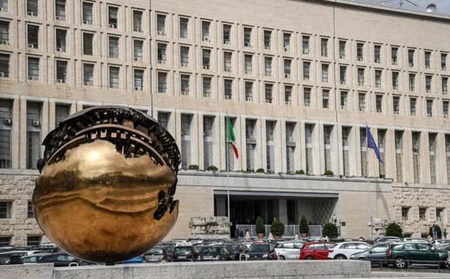 Spionaggio, cede documenti a un ufficiale russo: arrestato militare italiano