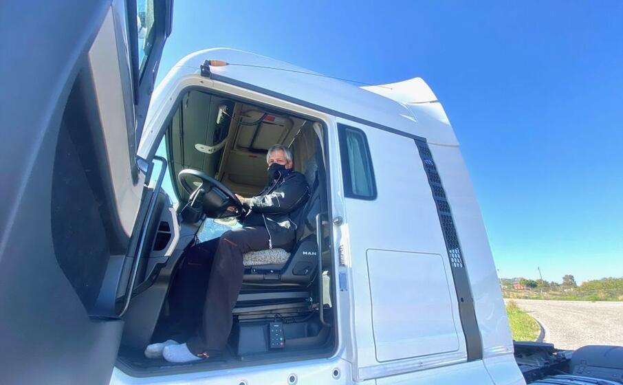 il camionista roberto porcheri (l unione sarda)