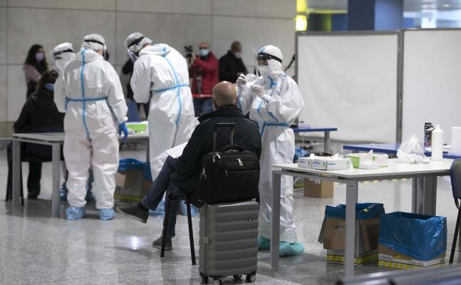 test sanitari all aeroporto di cagliari (foto archivio l unione sarda)
