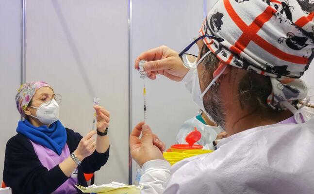 vaccinazioni al nuovo hub di quartu (foto regione sardegna ufficio stampa)